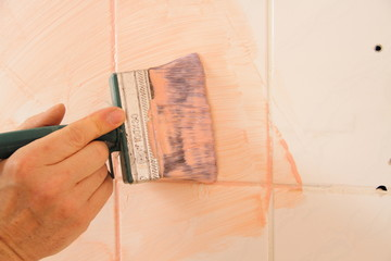 tile painting can greatly reduce your bathroom renovation costs